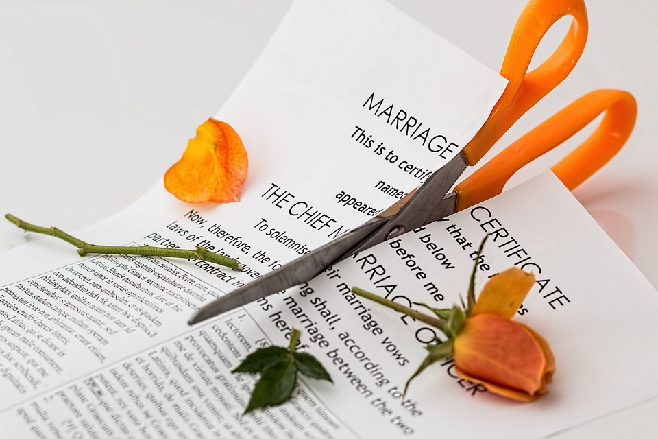 Ten Reasons A Divorce is NOT Like A Death